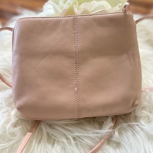 NWOT Pink, pearl leather Gianni Beni purse